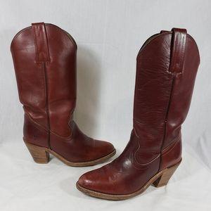 Vintage Frye sz 6 heeled western boots